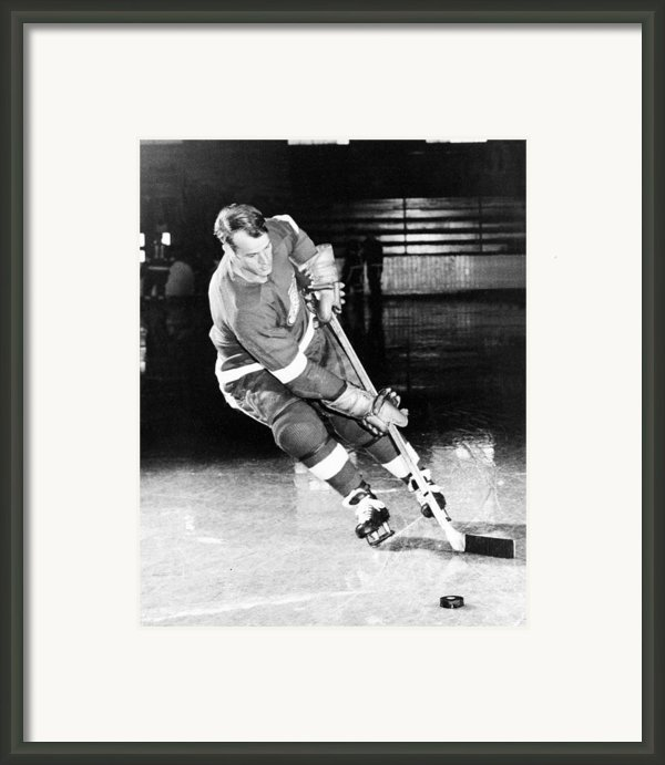 Gordie Howe Skating With The Puck Framed Print By Sanely Great