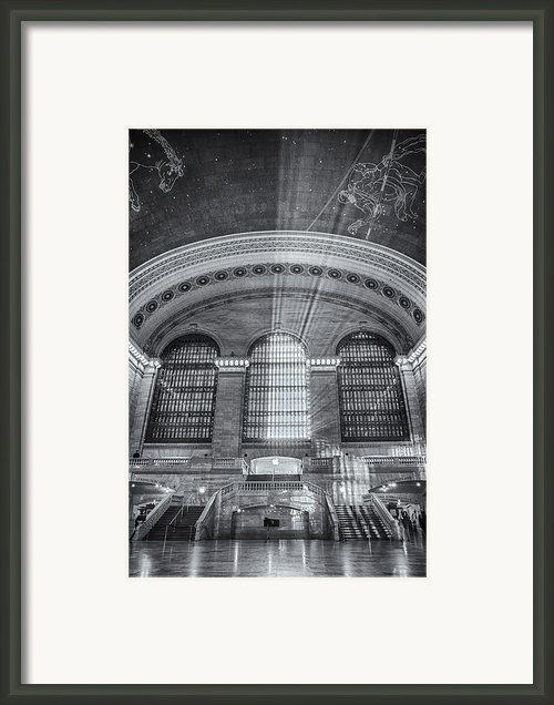Grand Central Station Bw Framed Print By Susan Candelario