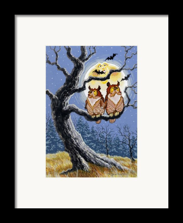Hooty Whos There Framed Print By Richard De Wolfe