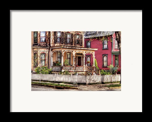 House - Country Victorian Framed Print By Mike Savad