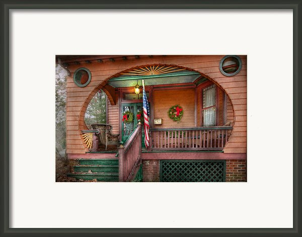 House - Porch - Metuchen Nj - That Yule Tide Spirit Framed Print By Mike Savad