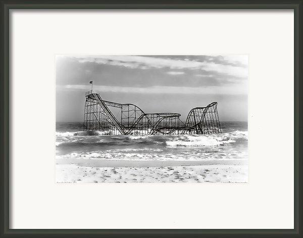 Hurricane Sandy Jetstar Roller Coaster Black And White Framed Print By Jessica Cirz