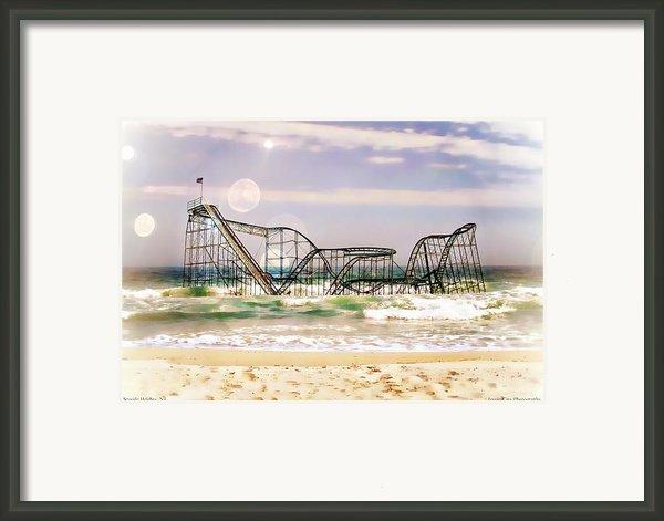 Hurricane Sandy Jetstar Roller Coaster Sun Glare Framed Print By Jessica Cirz