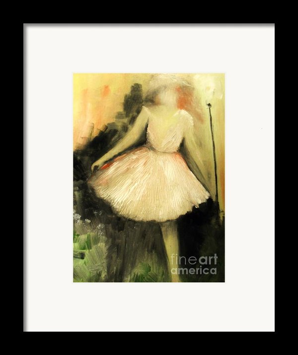 In Vogue Framed Print By Laurie D Lundquist