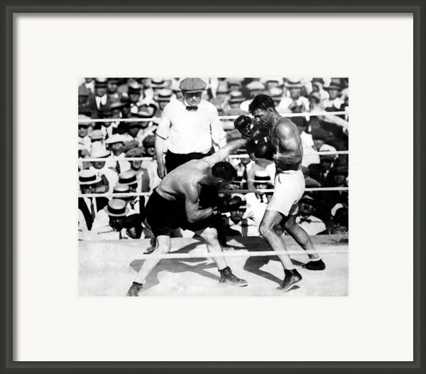 Jack Dempsey Fights Tommy Gibbons Framed Print By Everett