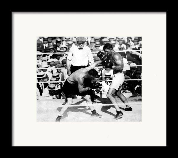 Jack Dempsey Fights Tommy Gibbons Framed Print By Everett