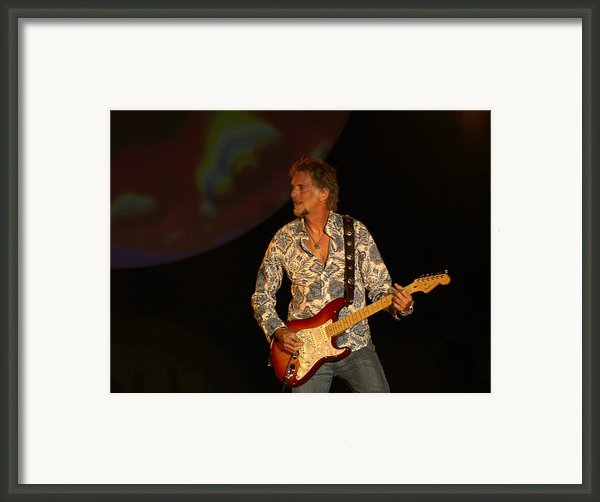 Kenny Loggins Framed Print By Bill Gallagher