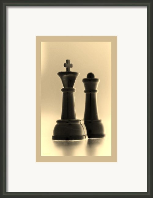 King And Queen In Sepia Framed Print By Rob Hans