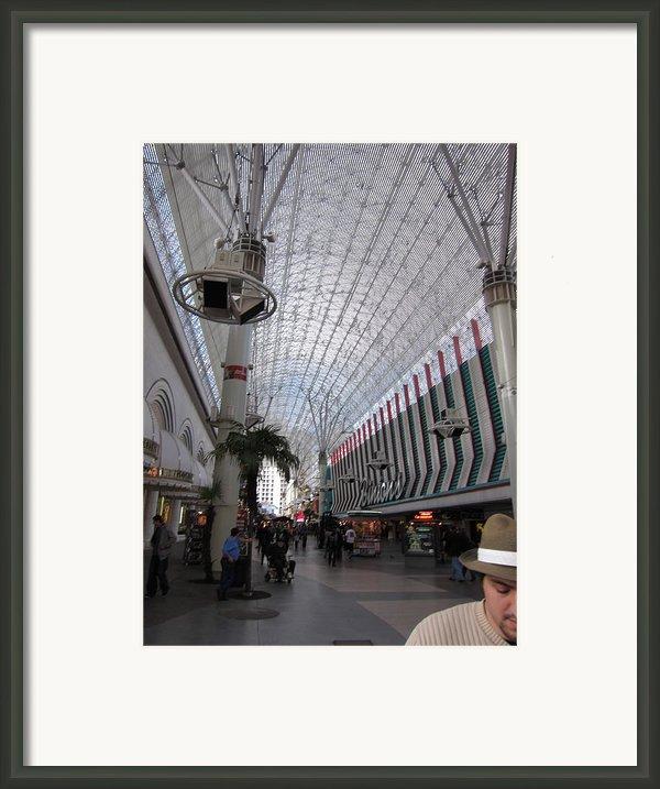 Las Vegas - Fremont Street Experience - 12121 Framed Print By Dc Photographer
