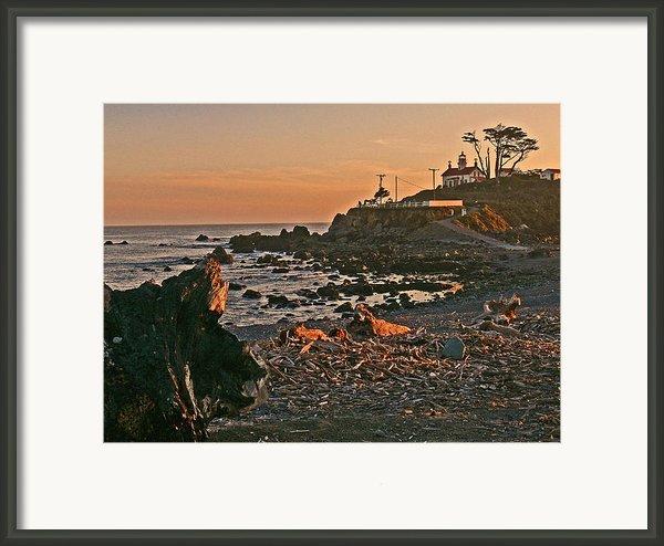 Lighthouse Sunset  Framed Print By Gracia  Molloy