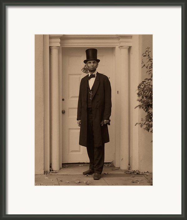 Lincoln Leaving A Building Framed Print By Ray Downing