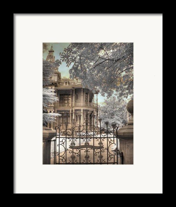 Littlefield Home Framed Print By Jane Linders