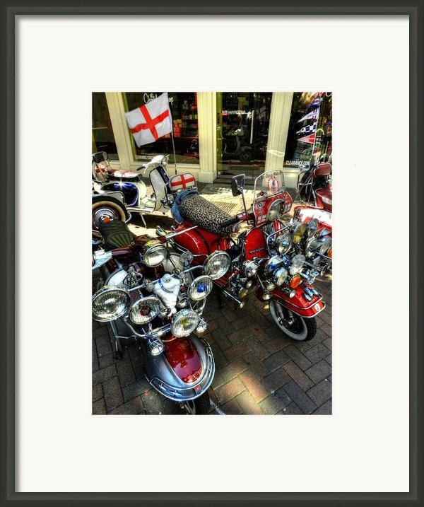 London 088 Framed Print By Lance Vaughn