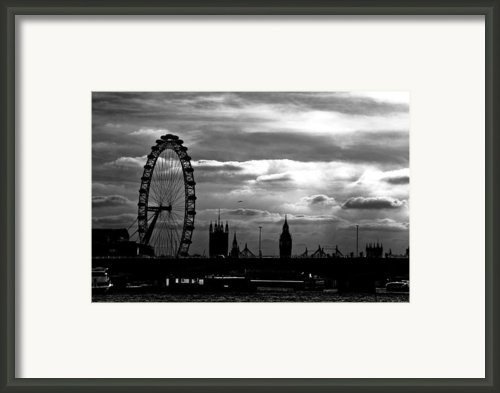 London Silhouette Framed Print By Jorge Maia
