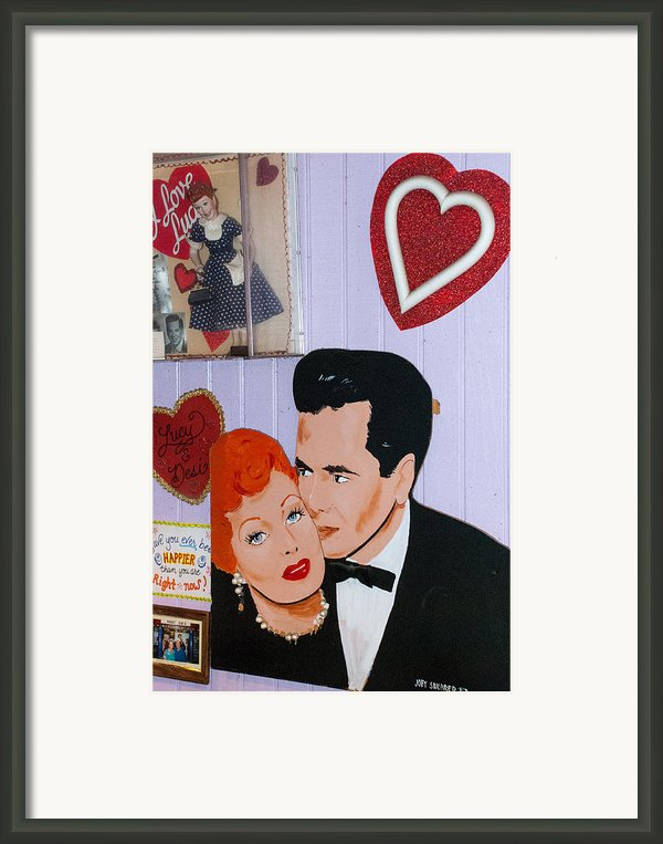 Lucille Ball At Peggy Sues Diner In Yermo California Framed Print By Robert Ford