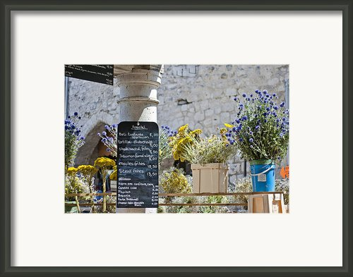 Lunch Time On Market Day Framed Print By Georgia Fowler