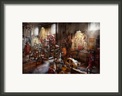 Machinist - A Room Full Of Memories  Framed Print By Mike Savad