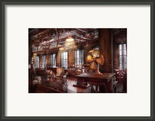 Machinist - The Fan Club Framed Print By Mike Savad