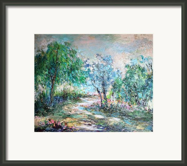 Majestic Framed Print By Mary Spyridon Thompson