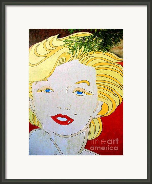 Marilyn Framed Print By Ethna Gillespie
