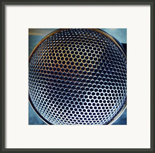 Metal Mesh Framed Print By Les Cunliffe