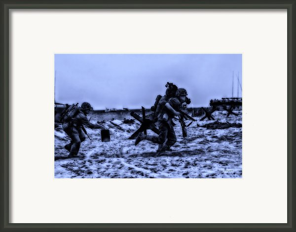 Midnight Battle Stay Close Framed Print By Thomas Woolworth