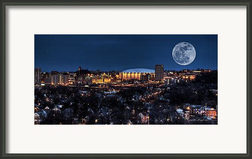 Moon Over The Dome Framed Print By Everet Regal