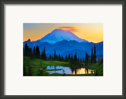 Mount Rainier Goodnight Framed Print By Inge Johnsson