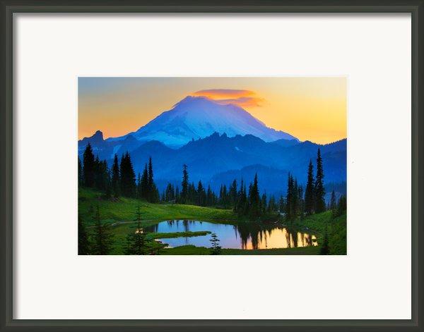 Mount Rainier Goodnight Framed Print By Inge Johnsson