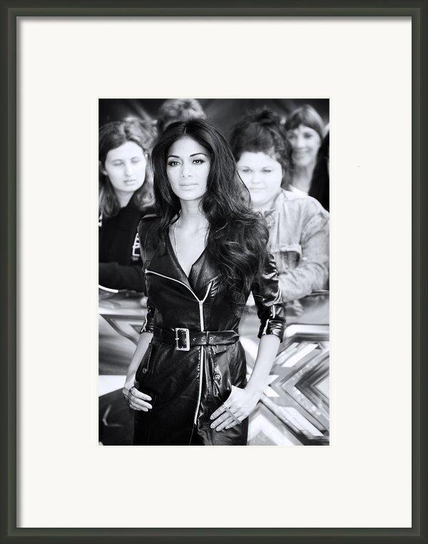 Nicole Scherzinger 22 Framed Print By Jez C Self