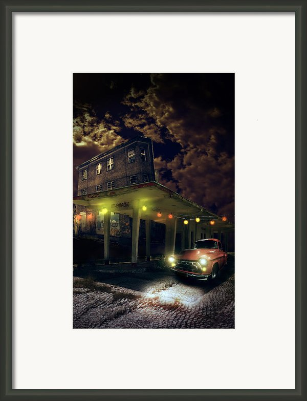 Night Fill Framed Print By Nathan Wright