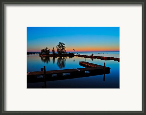 Northern Lights Framed Print By Robert Harmon