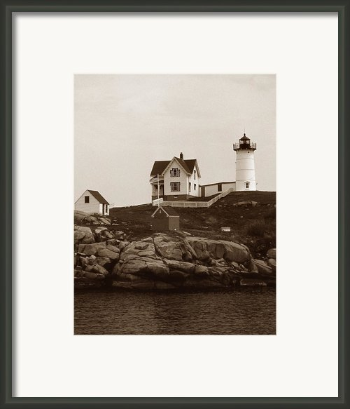 Nubble Light Framed Print By Skip Willits