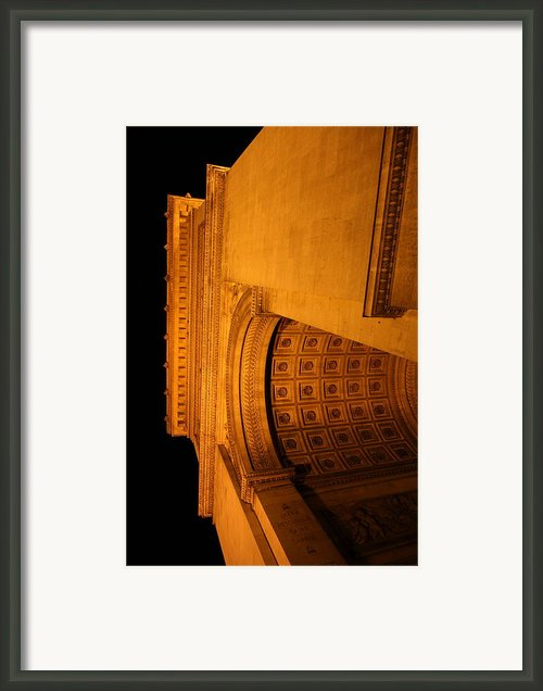 Paris France - Arc De Triomphe - 01132 Framed Print By Dc Photographer