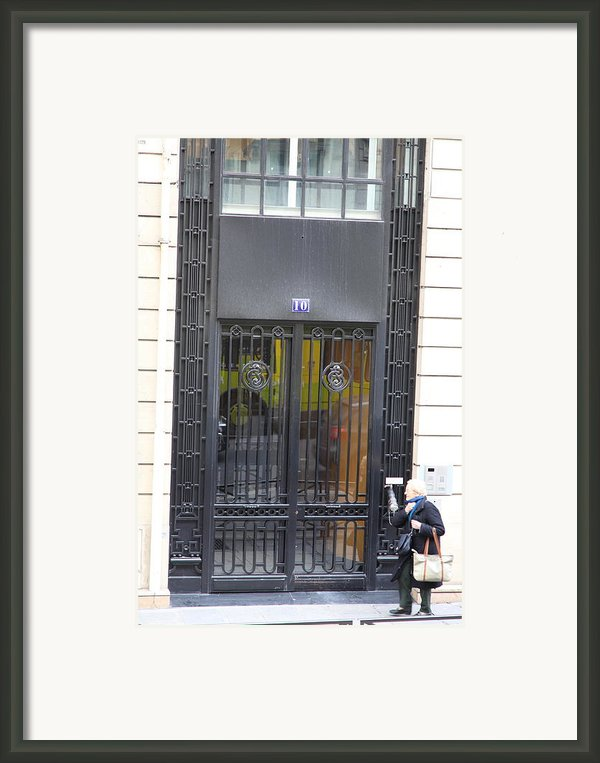 Paris France - Street Scenes - 0113103 Framed Print By Dc Photographer
