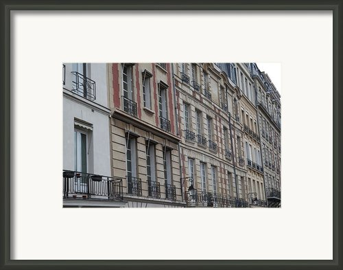 Paris France - Street Scenes - 011357 Framed Print By Dc Photographer