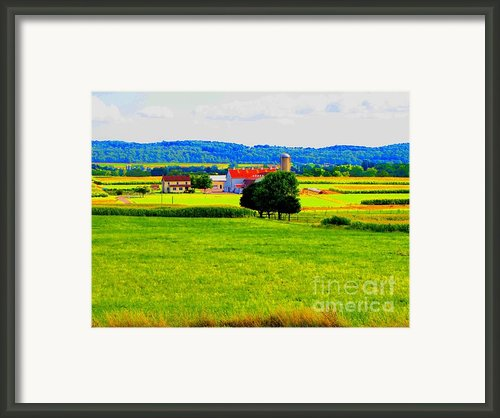Pennsylvania Farm Framed Print By Annie Zeno