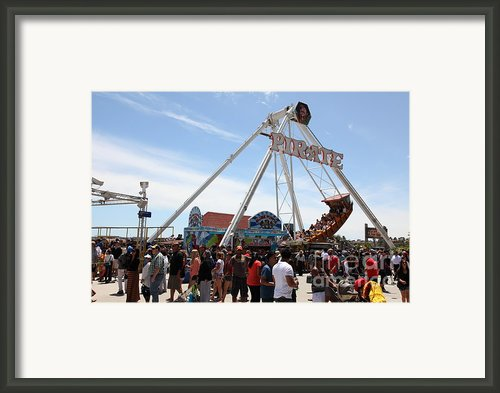 Pirate Ship At The Santa Cruz Beach Boardwalk California 5d23854 Framed Print By Wingsdomain Art And Photography