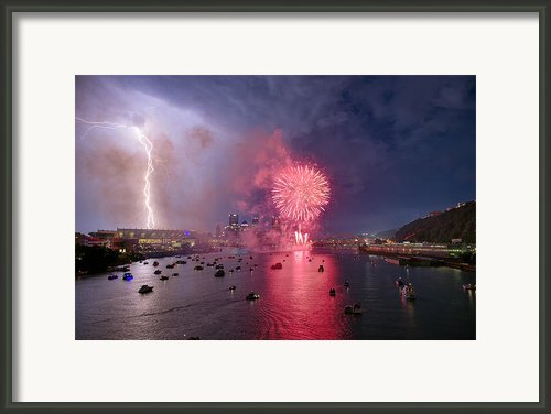 Pittsburgh Lighting The 4th  Framed Print By Emmanuel Panagiotakis