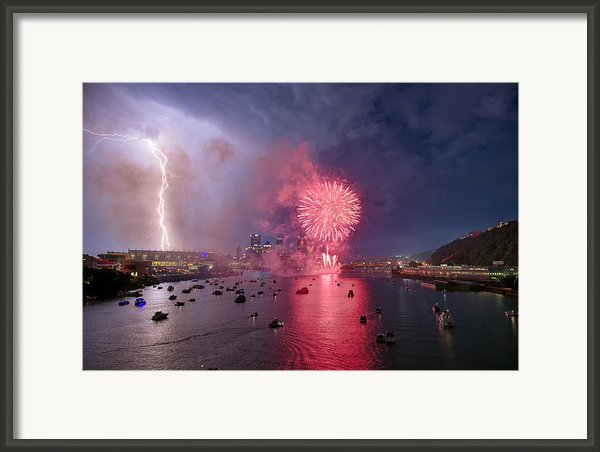 Pittsburgh Lighting The 4th  Framed Print By Emmanuel Panagiotakis