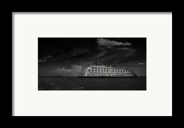 Queen Of The Mississippi  Framed Print By Mario Celzner