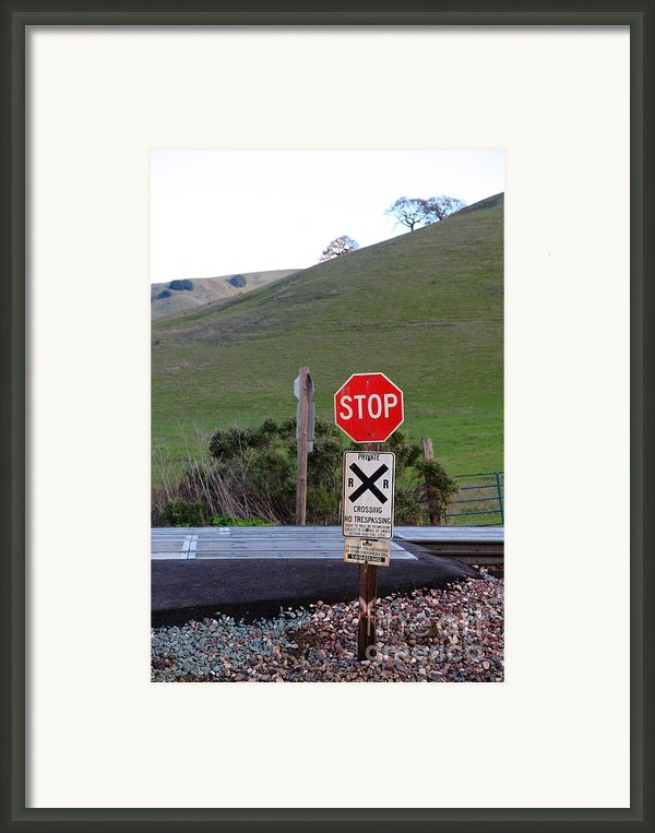 Rail Road Crossing Sign At Fernandez Ranch California - 5d21125 Framed Print By Wingsdomain Art And Photography