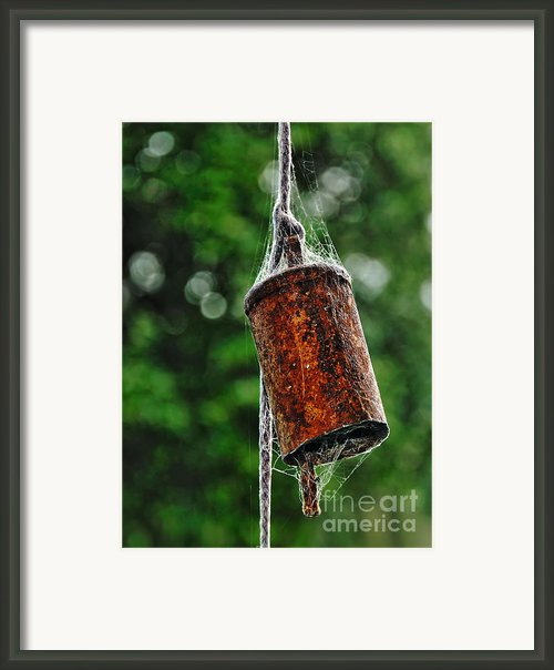 Rusted Old Cowbell Framed Print By Kaye Menner