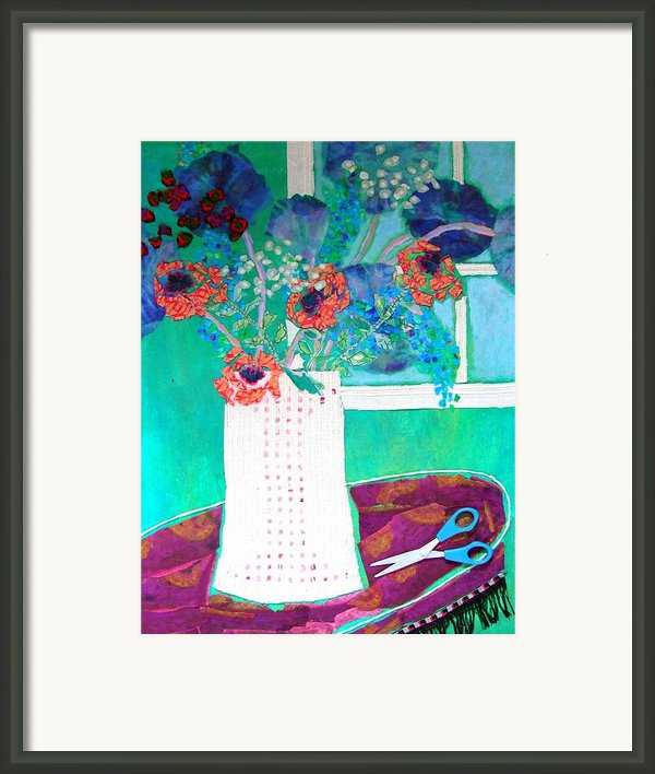 Scissors Framed Print By Diane Fine