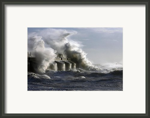 Sea Spray Framed Print By Barry Goble