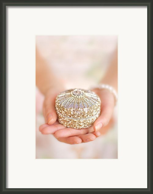 Secret Moments Framed Print By Evelina Kremsdorf