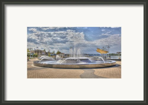 Smothers Park Fountains #1 Framed Print By Wendell Thompson