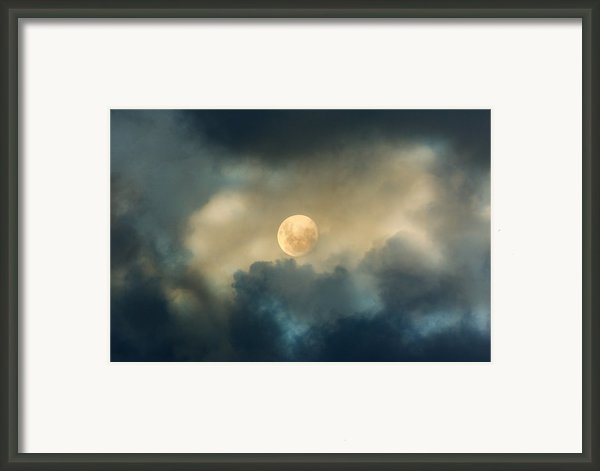Song To The Moon Framed Print By Zeana Romanovna