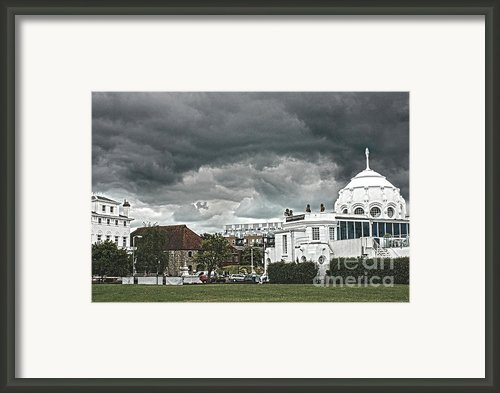 Southampton Royal Pier Hampshire Framed Print By Terri  Waters