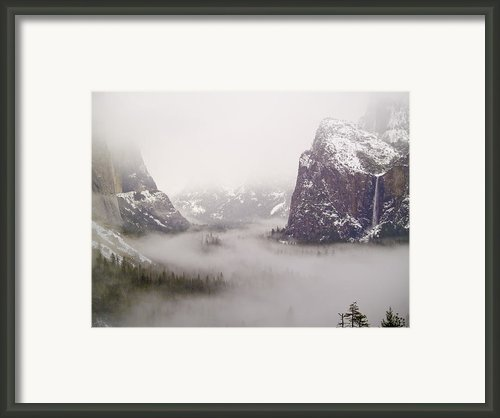Storm Brewing Framed Print By Bill Gallagher